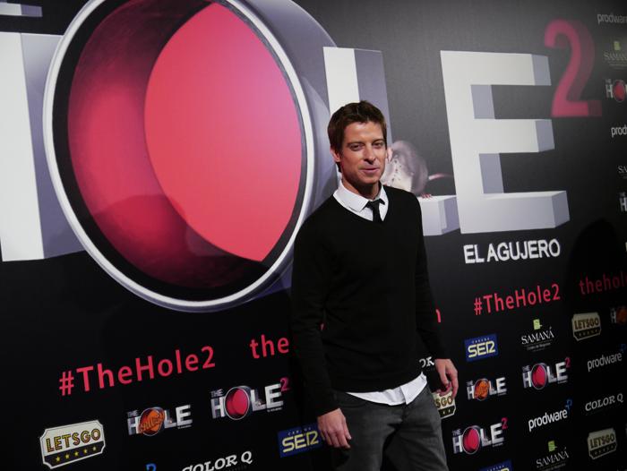 El actor Manu Baqueiro bromeó con la prensa.