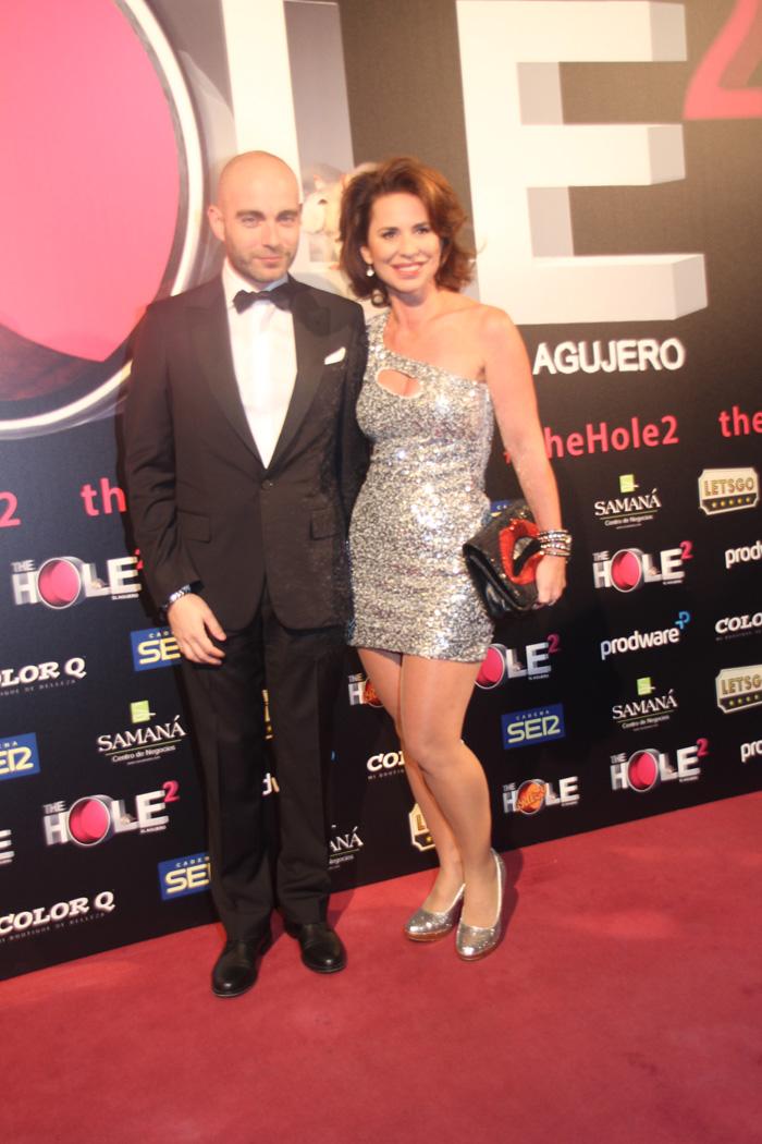 Victor Conde, director de 'The Hole 2' y su pareja