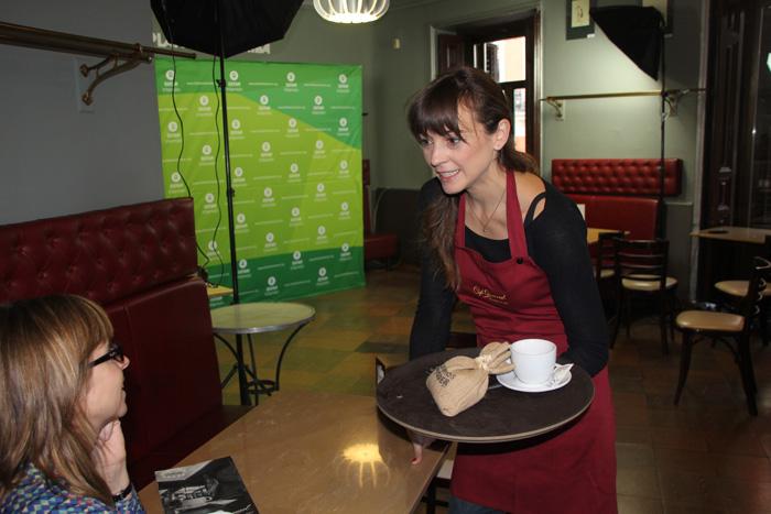 Leonor Watling en contra del hambre