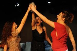 Mamen Camacho, Ana Vayón y Nerea Moreno en 'Haz clic aquí'
