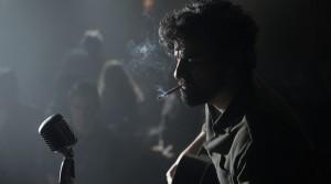 Oscar Isaac interpreta a Llewyn Davis en la nueva cinta de los hermanos Coen.