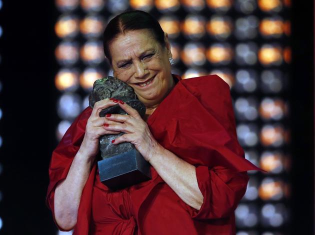 Terele Pávez recoge emocionada el Goya a la mejor interpretación femenina de reparto
