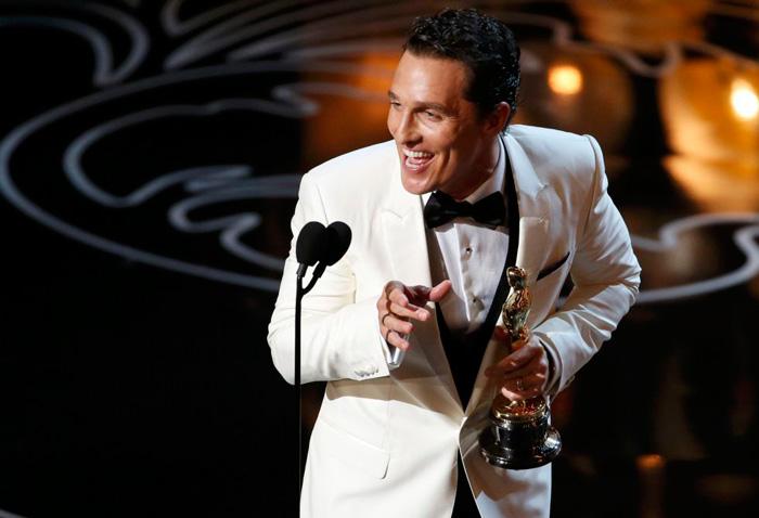"""Matthew McConaughey recogiendo su Oscar a mejor actor por """"'Dallas Buyers Club""""-Fuente: """"El País"""""""