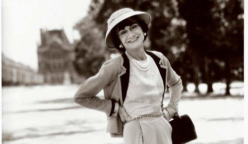 La modista y empresaria, Coco Chanel-Fuente; estrategiasdelujo.com