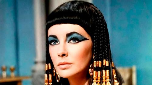 """La actriz Elizabeth Taylor en """"Cleopatra""""-Fuente:craveonline.com"""