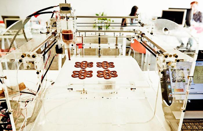 Proceso de elaboración de una comida con la impresora 'Foodini'-Fuente: 'El País'