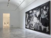 El Guernica expuesto en la sala 206