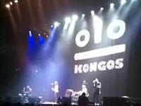 actuación de los teloneros Kongos