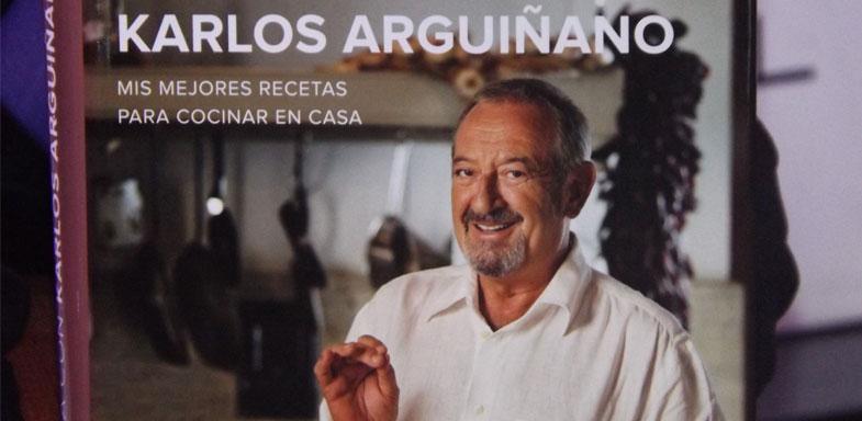 Portada del libro En familia con Karlos Arguiñano