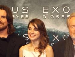 Christina Bale, Maria Valverde y Ridley Scott juntos en la premiere de Éxodus