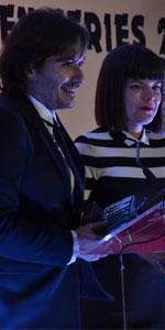 Laura y Alberto Caballero, directores de La que se avecina, recogen el premio a Mejor Serie de Comedia