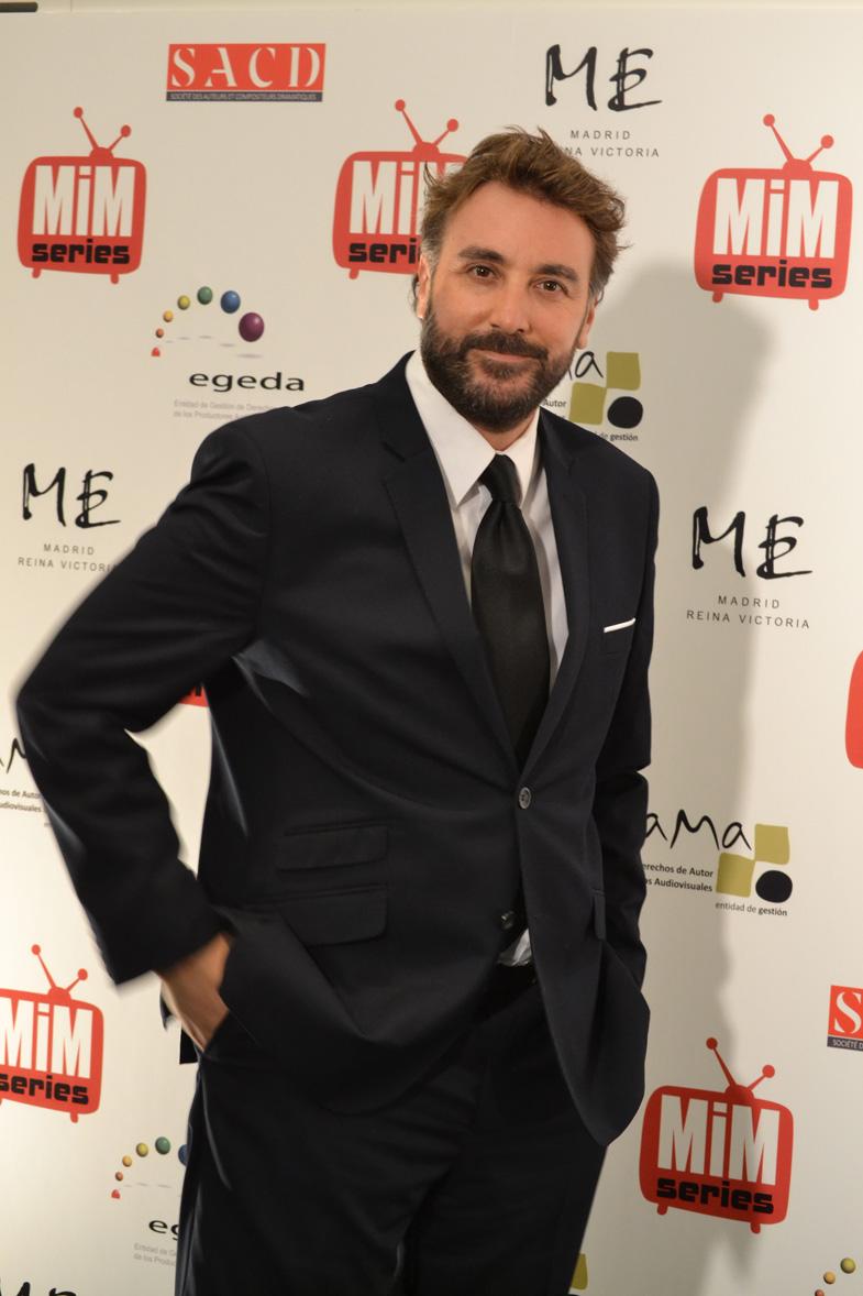 Javier Cifrián posando en los Premios del Festival de Series MIM 2014
