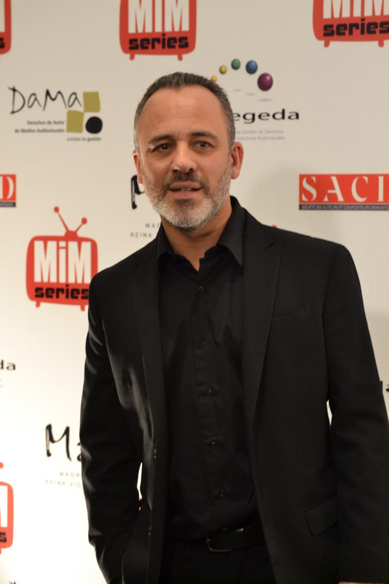 Javier Gutiérrez posando en los Premios del Festival de Series MIM 2014