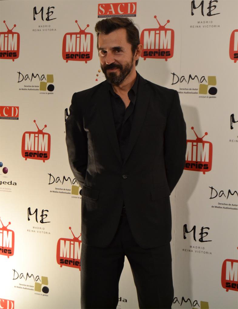 Santi Millán posando en los Premios del Festival de Series MIM 2014