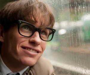 Eddie Redmayne como Stephen Hawking en una escena de 'La Teoría del Todo'