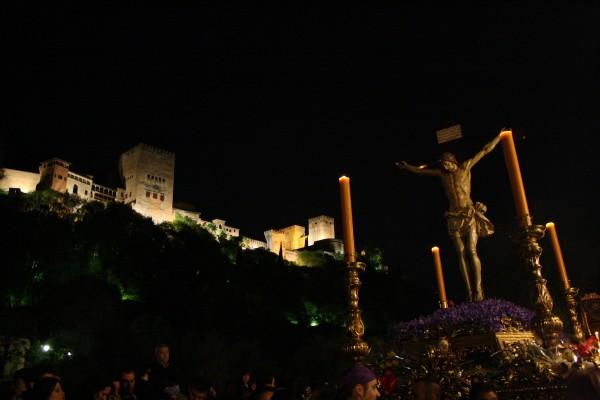 Cristo de los Gitanos, con la Alhambra de fondo