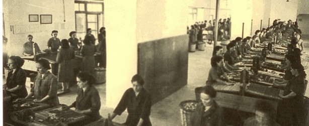 Mujeres-trabajadoras-en-la-antigua-fábrica-de-cerillas-de-Tarazona