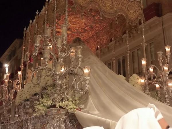 Detalle del trono de la Virgen del Rocío de Málaga