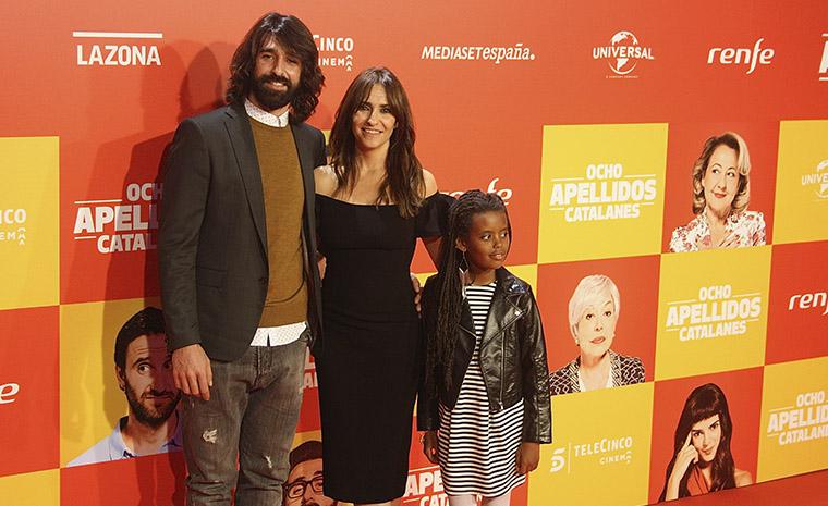 Melani Olivares con su familia