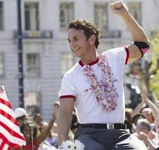 Sean Penn como Harvey Milk.