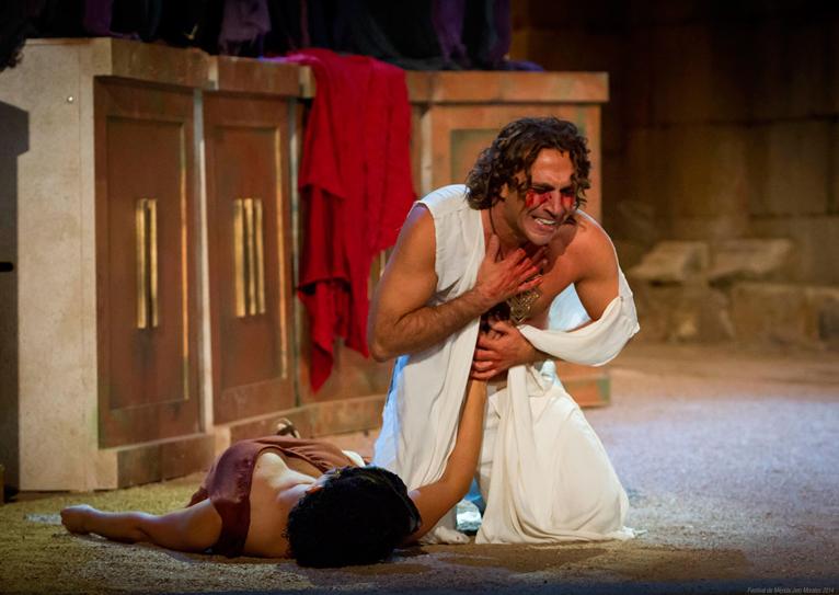 Edipo abraza el cuerpo muerto de Yocasta