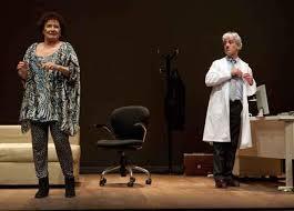 Sergio Pazos y Beatriz Carvajal en una representación de Los diablillos rojos.