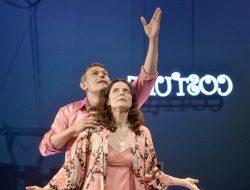 Roberto Enríquez y Aitana Sánchez-Gijón protagonizan 'La rosa tatuada'