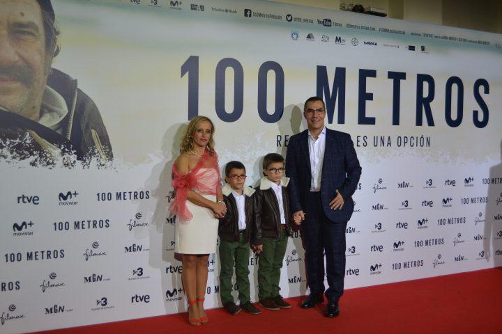 Ramón Arroyo, protagonista original de la historia, con su mujer e hijos