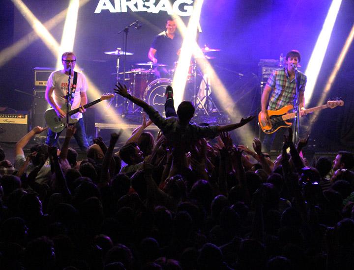 Airbag durante el concierto