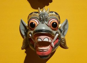 """Máscara de Sugeriwa: personaje del poema épico """"Ramayana"""", 2014 (Foto: Alvaro Guzmán)"""