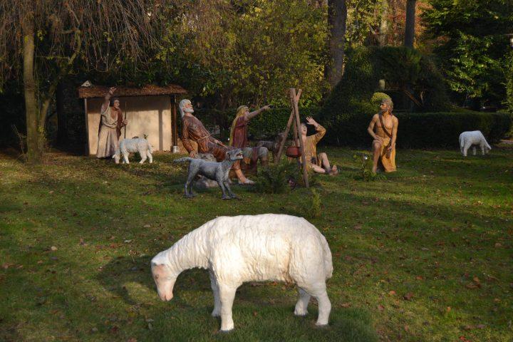 Los pastores contemplan al ángel