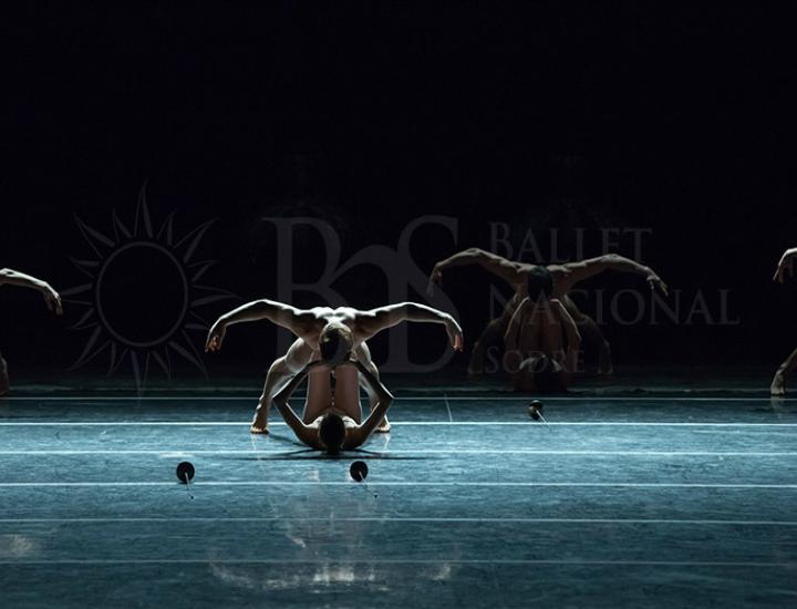El Ballet Nacional SODRE de Uruguay interpretando 'Petite Mort'