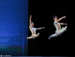 Momento de la coreografía Sinfonietta