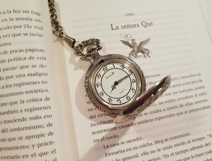 Interior del libro Una arruga en el tiempo, de Madeleine L'Engle Ⓒ Cristina García