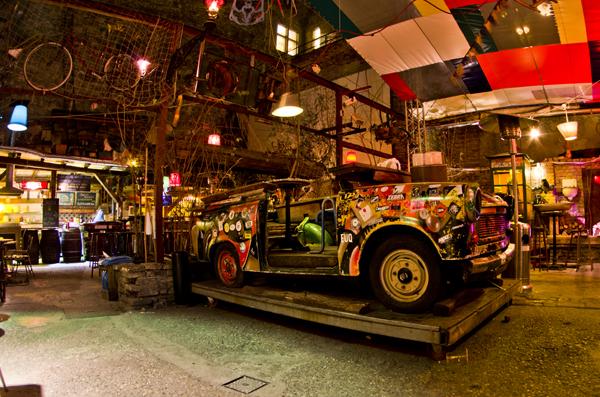 Puder, el pub ruina de moda en Budapest