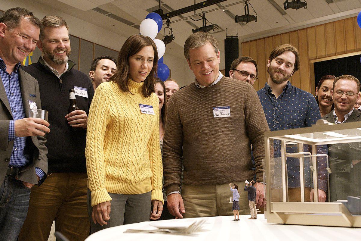 Matt Damon, Kristen Wiig y Jason Sudeikis en Una vida a lo grande.