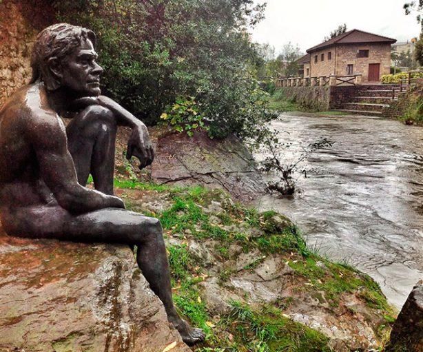 La estatua del hombre pez en Liérganes