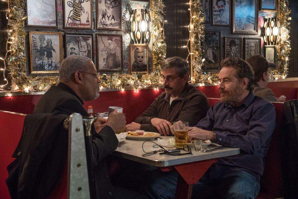 Laurence Fishburne, Steve Carrell y Bryan Cranston, en 'La última bandera'.