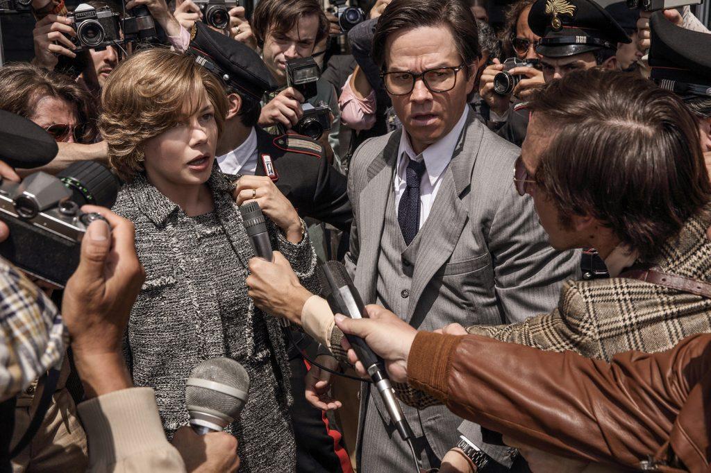 Michelle Williams y Mark Wahlberg, en 'Todo el dinero del mundo'.