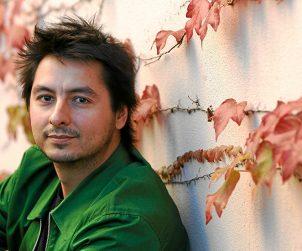 Antonio Lucas, poeta, periodista y director de 'La esfera de papel'