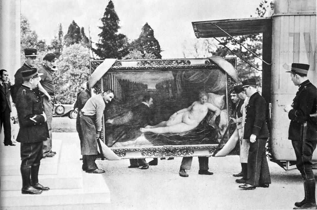 Llegada de la 'Venus recreándose en la música' de Tiziano a Ginebra, en 1939