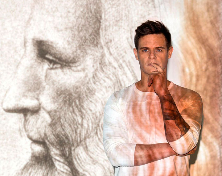 Christian Gálvez en la exposición Leonaro Da Vinci. Los rostros del genio