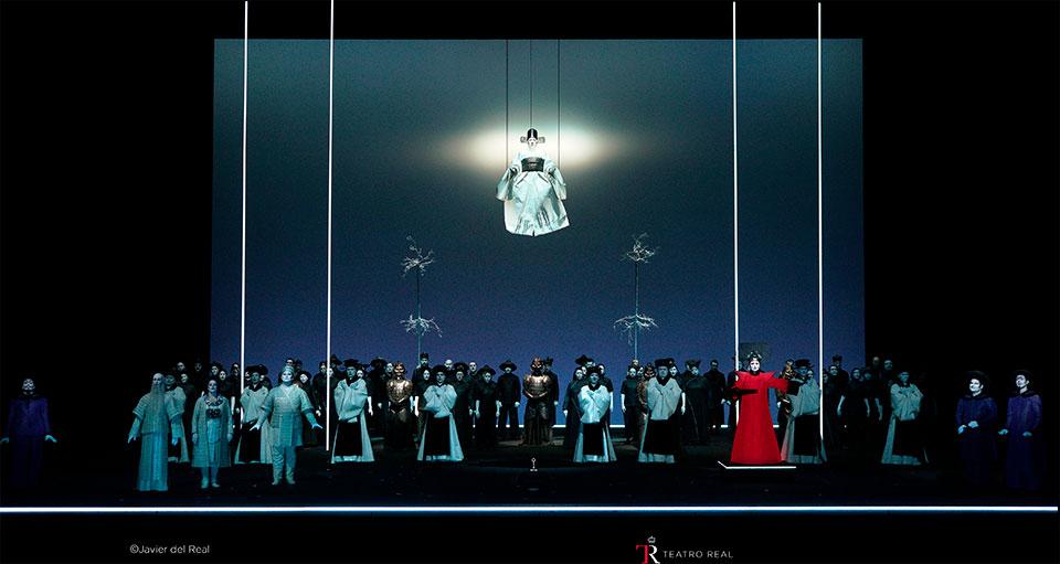 Los personajes de la ópera 'Turandot' durante una escena del segundo acto