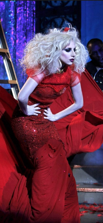 """Lady Gaga en un capítulo de la serie """"Gossip Girl""""."""