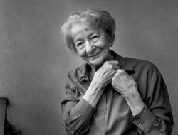 La poetisa polaca Wislawa Szymborska