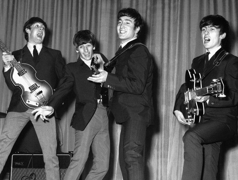 The Beatles en su juventud.