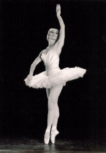 Marta Cagigal bailando